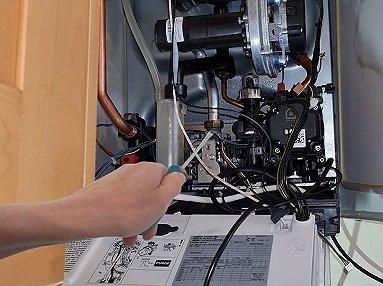Controllo periodico caldaia a gas o gasolio quando va for Controllo fumi caldaia