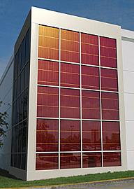 Vetrate fotovoltaiche finestre solari e vetri fotovoltaici trasparenti e semitrasparenti - Vetri colorati per finestre ...