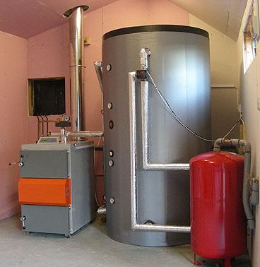 Come collegare un serbatoio puffer a una caldaia o a due caldaie tramite una pompa di - Bombolone gas casa ...