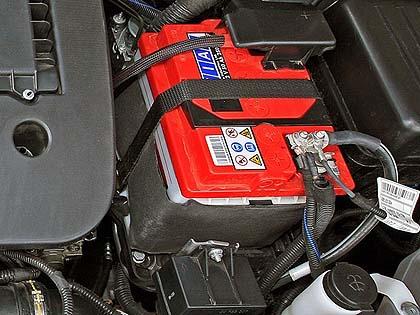 Batteria auto quanto costa come caricarla e quanto dura